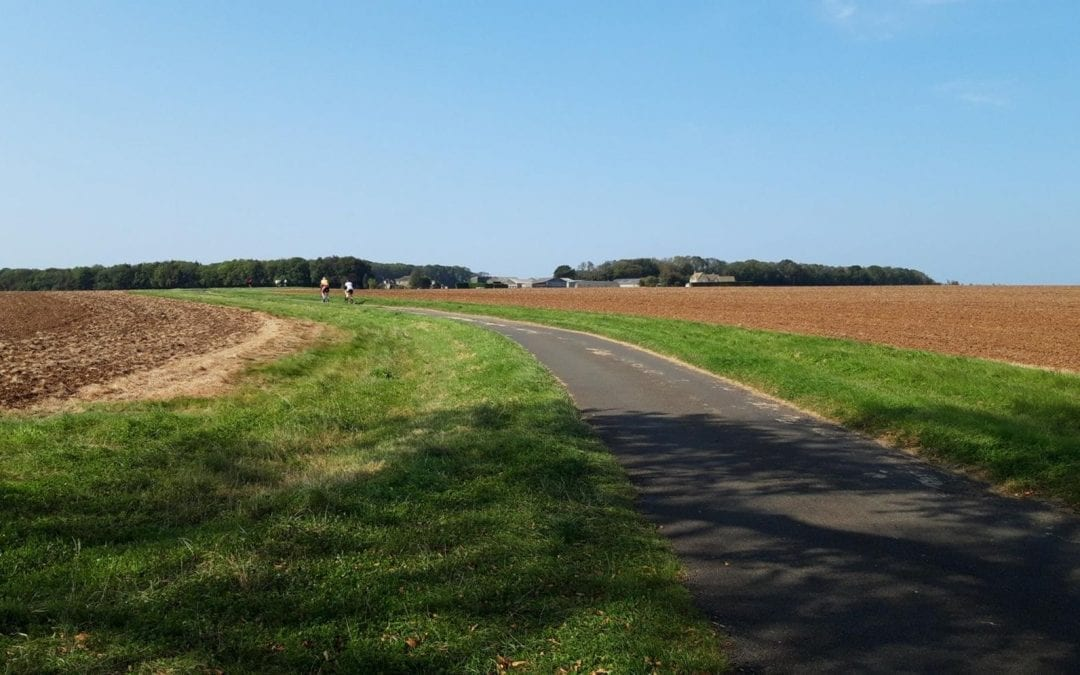 Enjoying the Indian Summer, the cyclists went out six by six